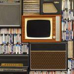 Kino domowe w małej kawalerce – czy to ma sens?